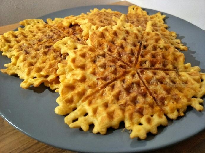 Low Carb Käse-Mett Waffeln