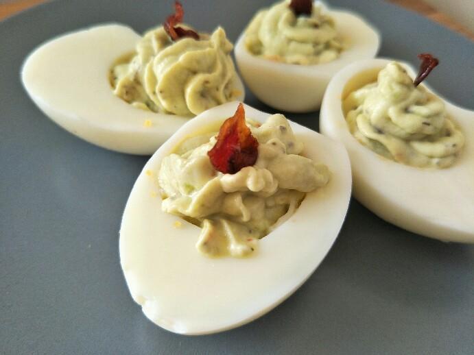 Low Carb gefüllte Eier