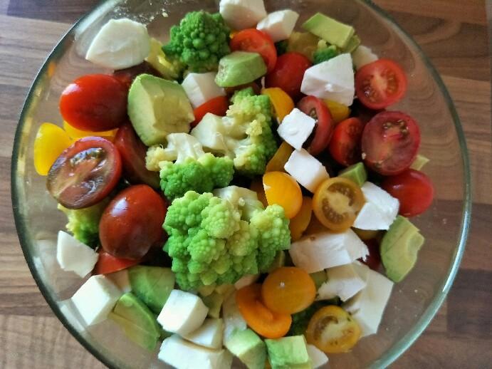 Low Carb Romanesco-Salat