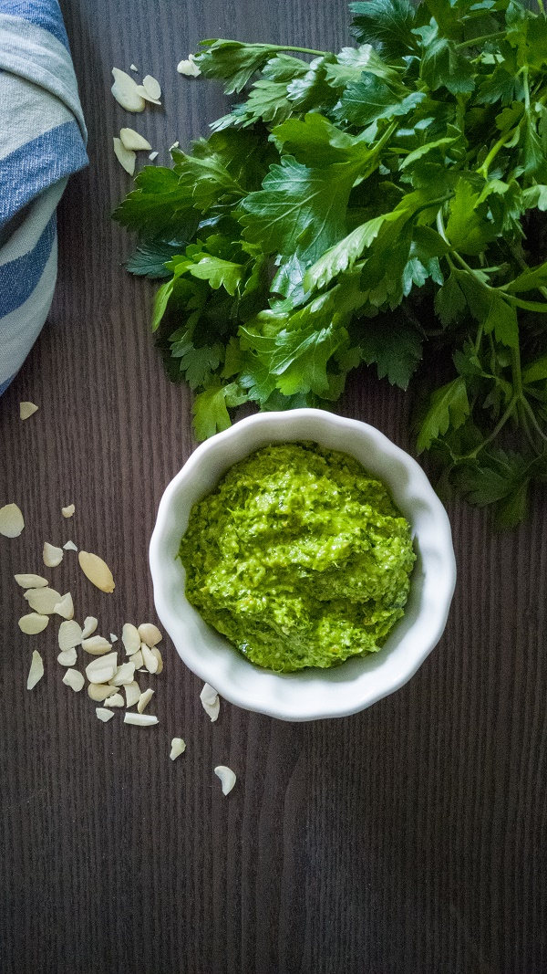 Low Carb Petersilienpesto
